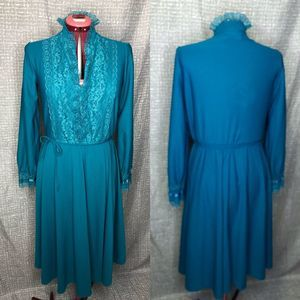 1970's teal lace collar and cuffs dress sz L